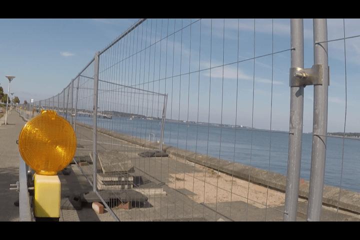 Der Zaun an der Kiellinie – wann kommt der endlich weg?